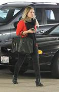 http://img221.imagevenue.com/loc826/th_212505184_Hilary_Duff_Shopping_at_Best_Buy2_122_826lo.JPG