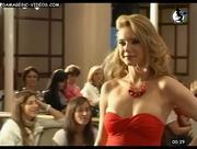 Valentina cleavage